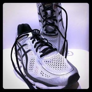 {ASICS} - Gel-Kayano 22 Running Shoes